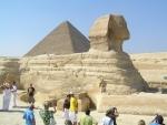Pyramida a sfinga